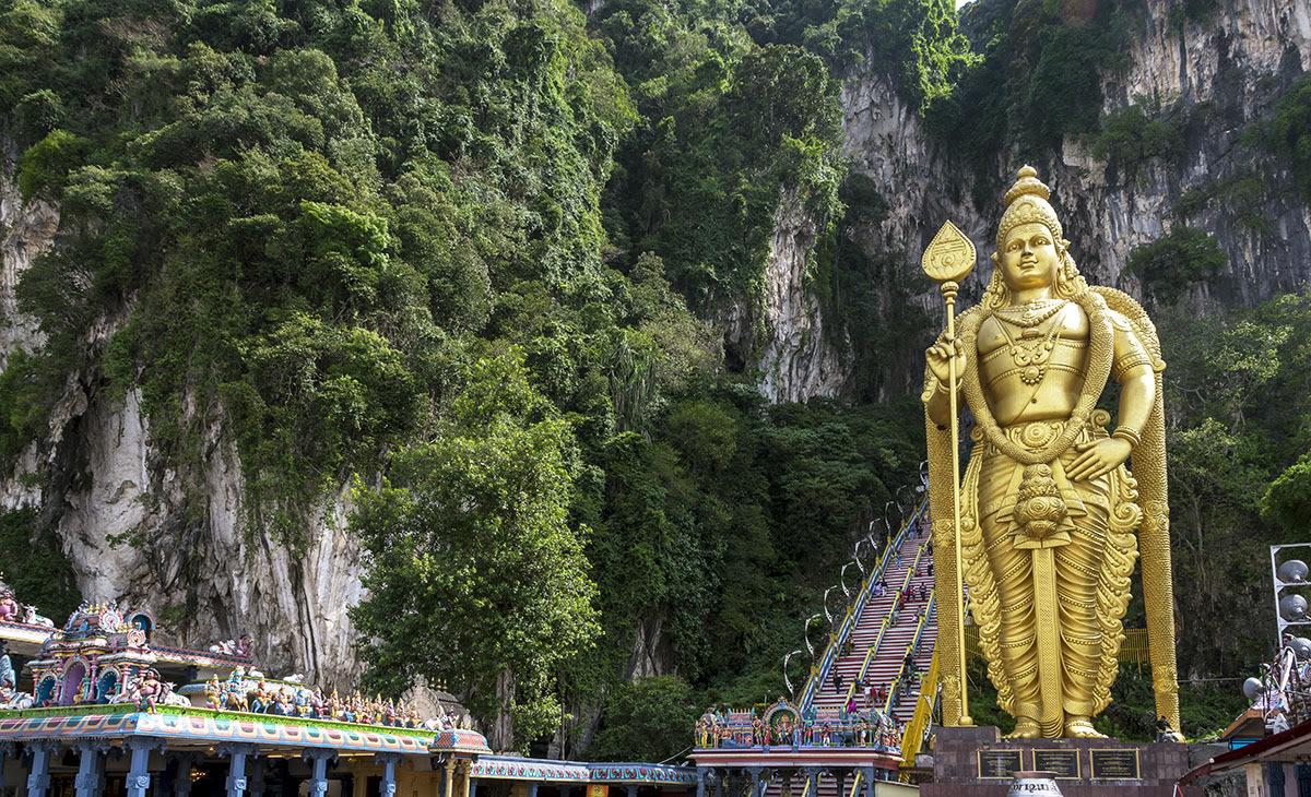 Batu Caves_golden statues