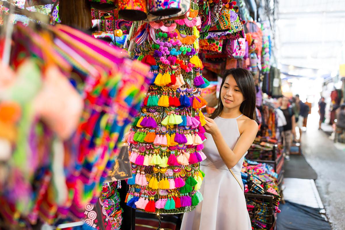 سوق العطلة الاسبوعية بانكوك صدى نيوز الاخبارية