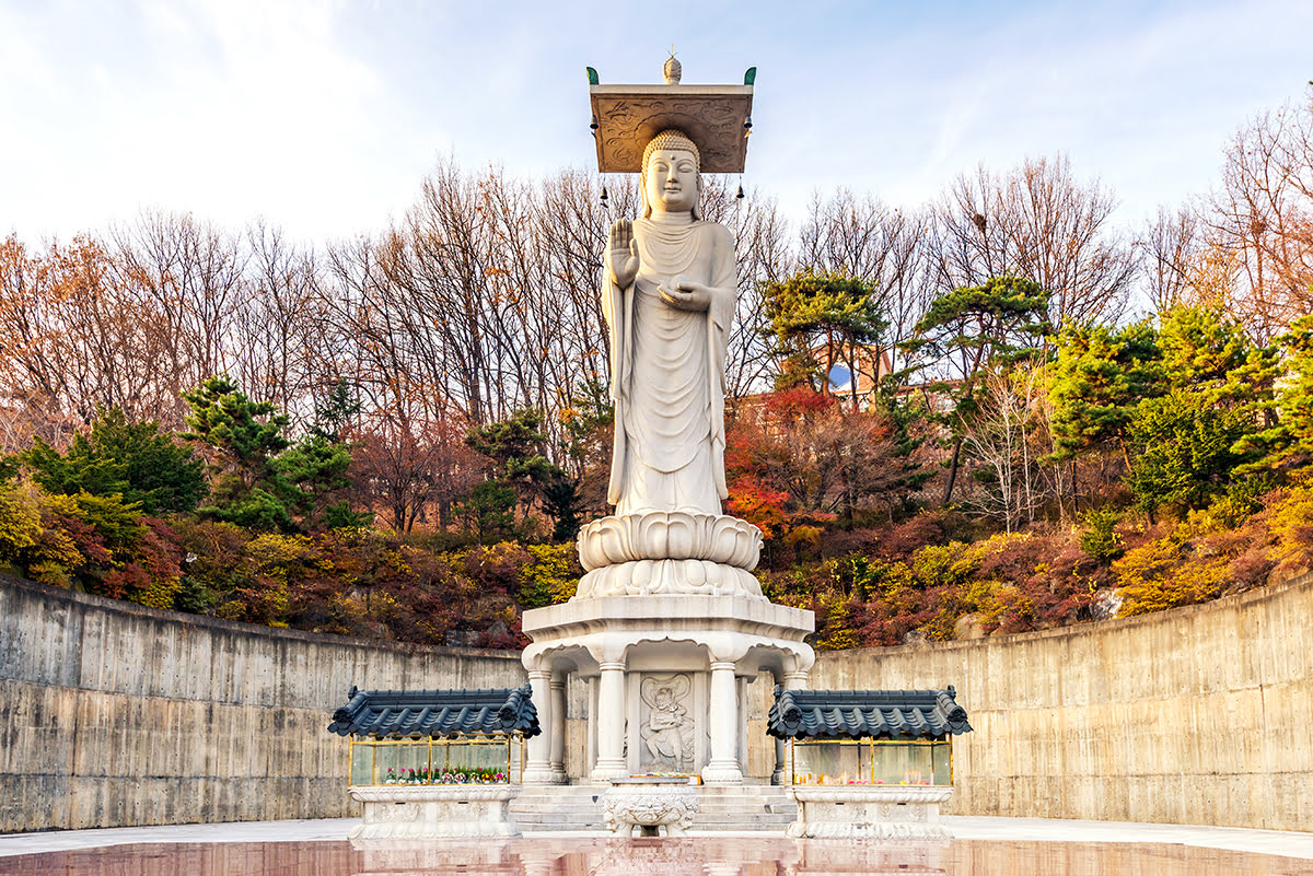 Experience Seoul landmarks Bongeunsa Temple Maitreya - 5 Historic Landmarks with Cutting-Edge Surprises