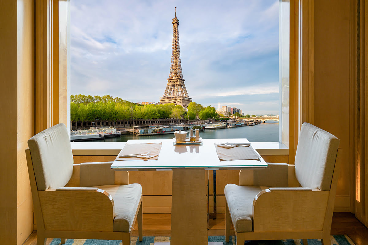 Eiffel Tower-Paris-Best places to Eat