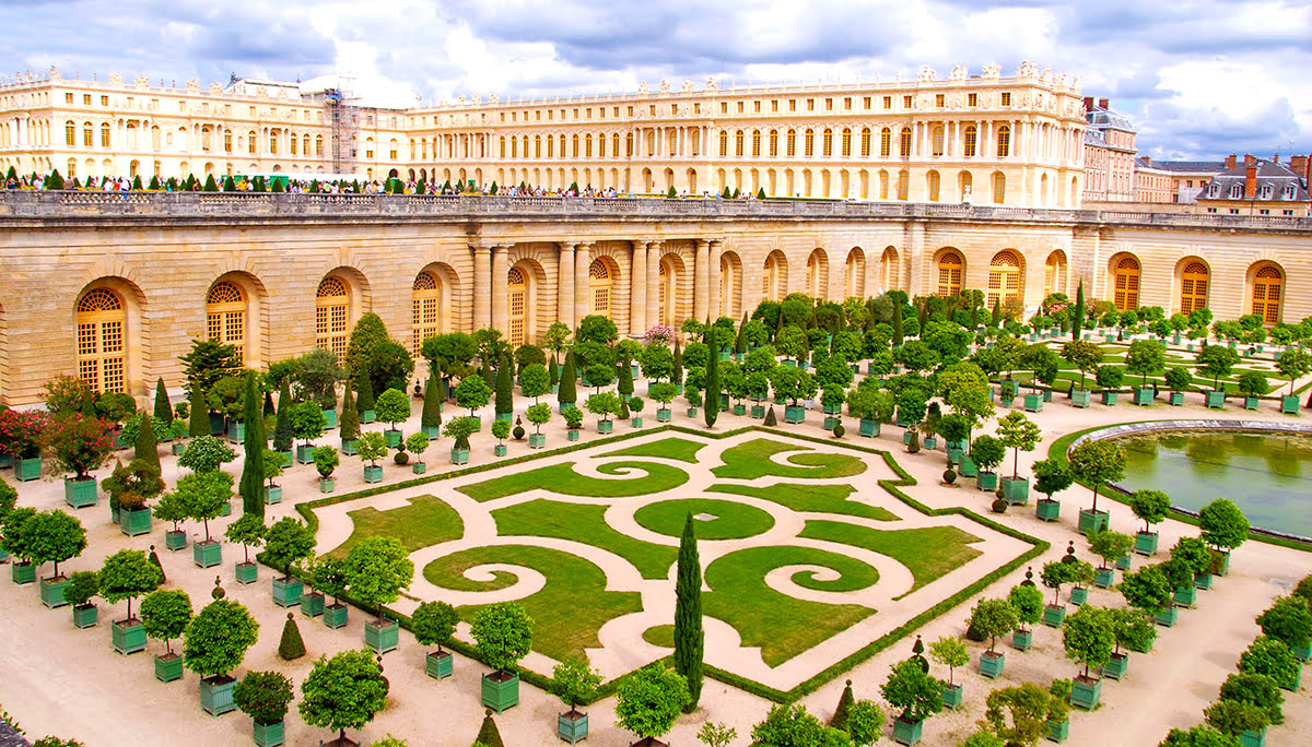 Palace of Versailles: Tours, Hours & Location in Paris