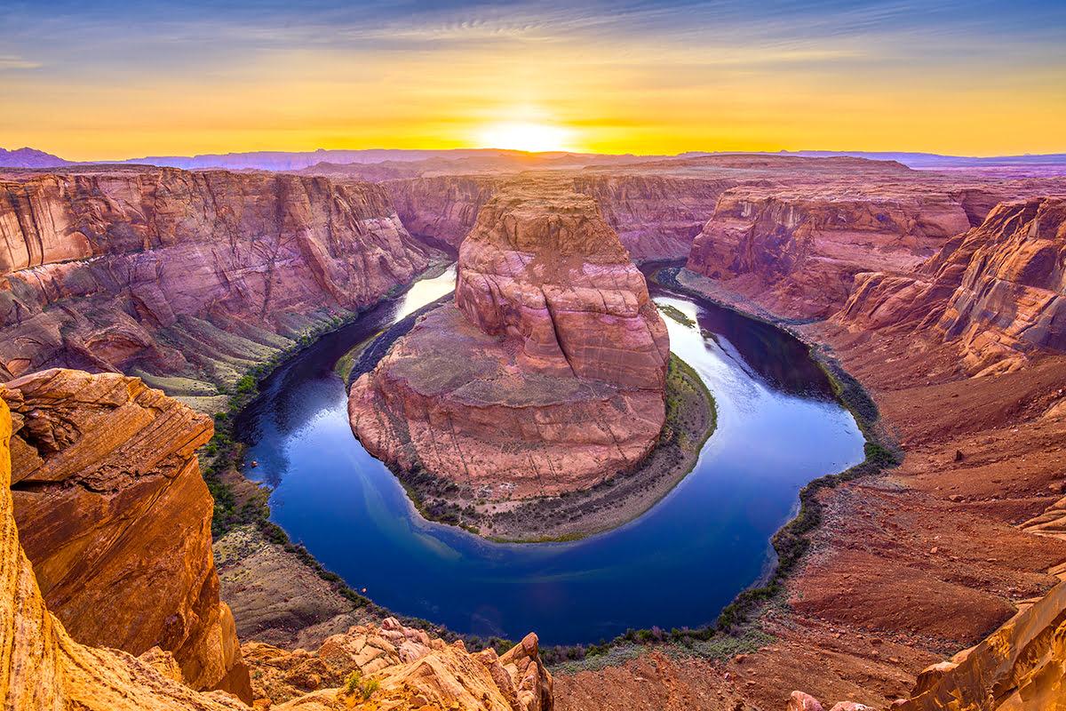 Ces lieux réels dignes d'un RP Horseshoe-Bend-Antelope-Canyon-tours